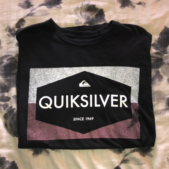 Quiksilver Other - Quicksilver T-Shirt Size Large